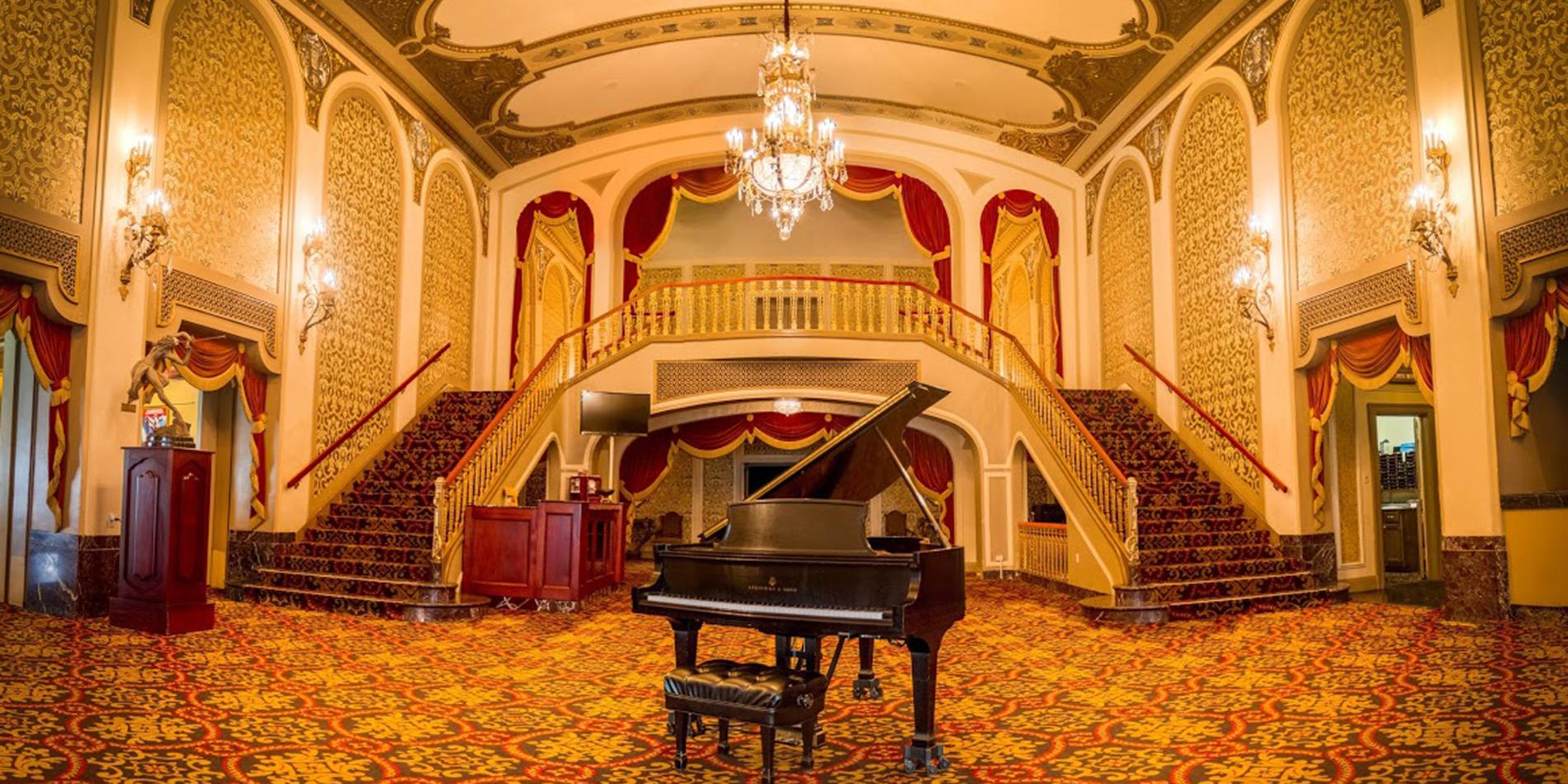 Rent The Orpheum S Grand Lobby Orpheum Theatre Memphis